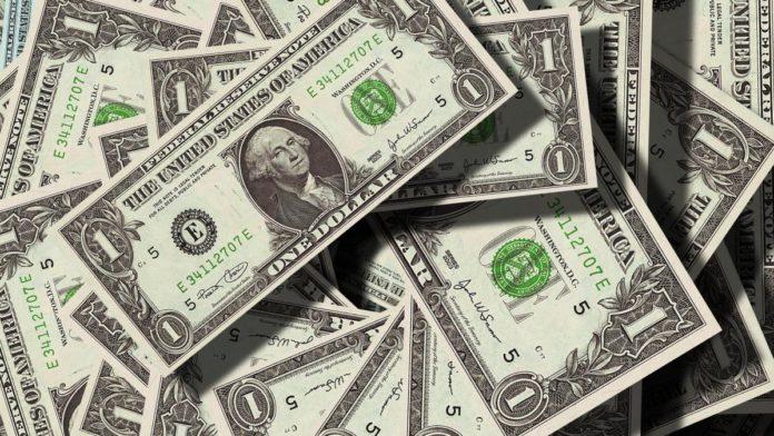 Курс долара в Україні почав падати: вартість валюти США на 15 травня - today.ua