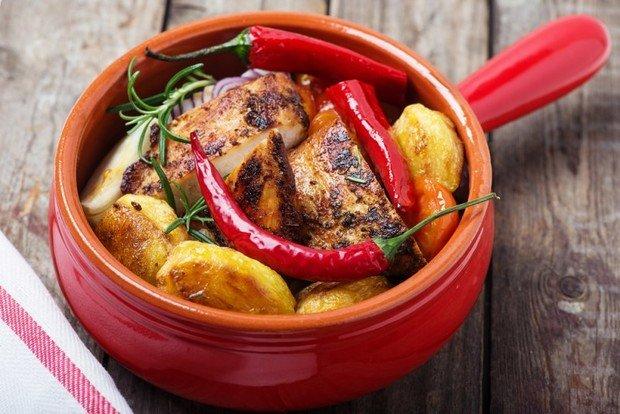 Картопля в горщиках по-домашньому: три рецепти ситної та смачної страви - today.ua