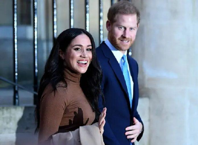 Меган Маркл чекає другу дитину: знаковий жест герцогині спровокував чутки про вагітність - today.ua