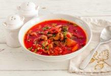 Смачно і незвично: шеф-кухар розповів рецепт борщу із сушеними білими грибами - today.ua