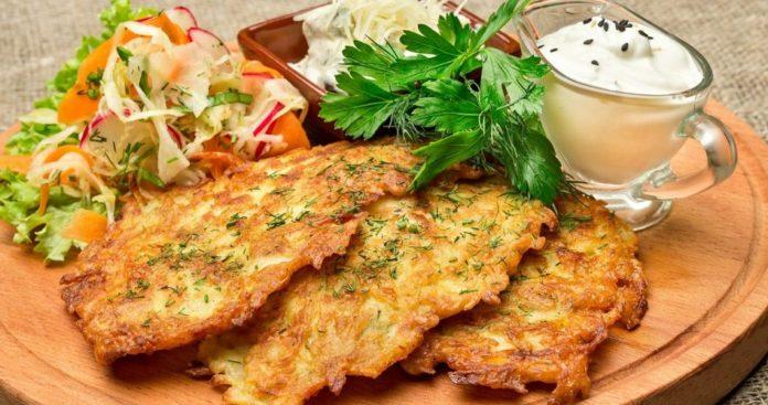 Деруни по-буковинськи: простий рецепт ситної страви до вечері - today.ua