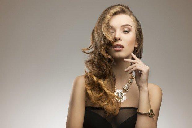 ТОП-3 зачіски для романтичного весняного образу - today.ua