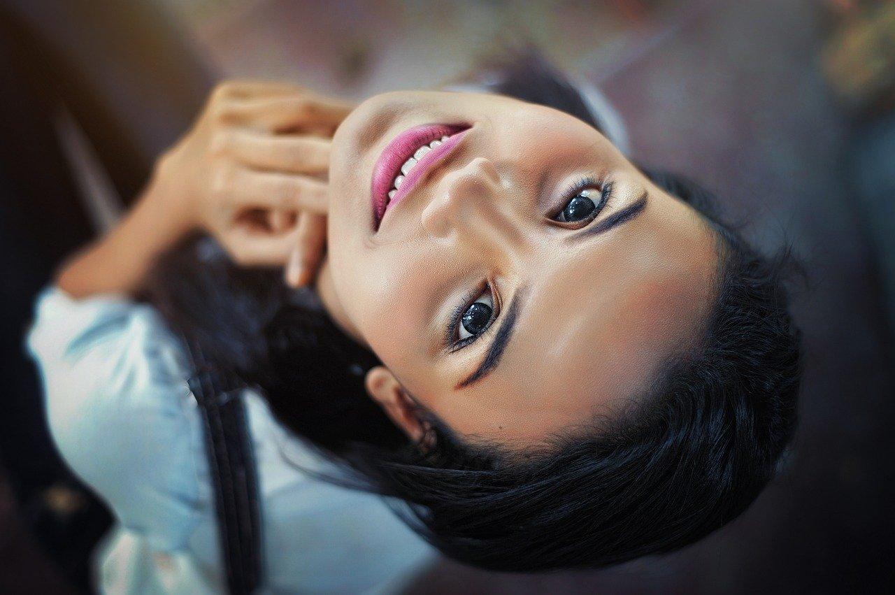 Секрети макіяжу: як виправити форму носа за допомогою косметики