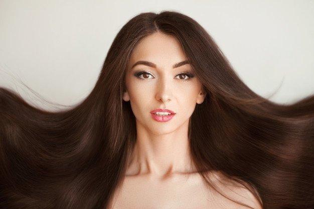 ТОП-5 найзручніших зачісок на довге волосся, які спокусять будь-якого чоловіка - today.ua