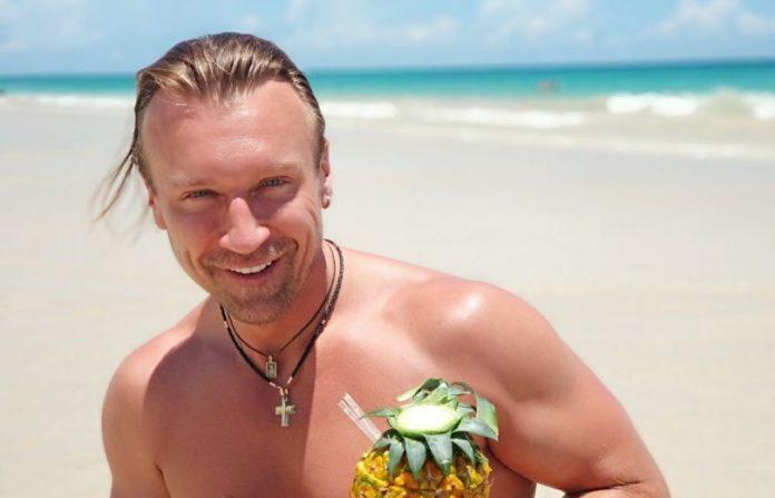 """&quotВовчиці"""" могли залишитися без кумира: Олега Винника ледь не з'їли риби в Індійському океані - today.ua"""