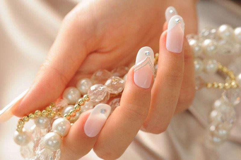 Манікюр з перлами: стильні ідеї нейл-арту на нігті різної довжини (фото)  - today.ua