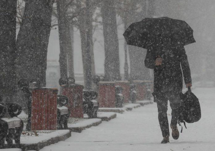 Опять метель: февраль пришел с ненастьем и морозной погодой - today.ua