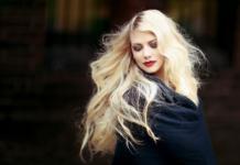 Прості і красиві зачіски: 3 швидкі укладки, які повинна вміти зробити кожна дівчина - today.ua