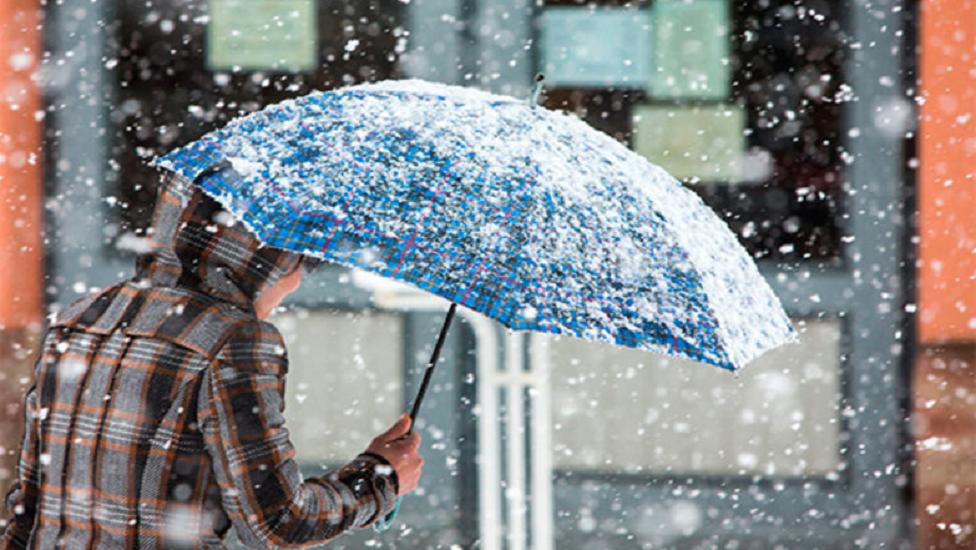 В Україну повертається зима: морози і снігопади обрушаться на країну в найближчий уїкенд