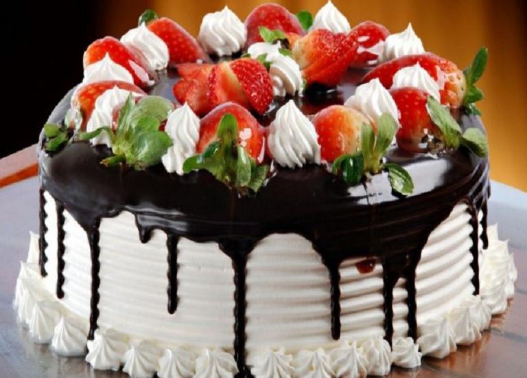 """Торт """"Капучіно"""" без випічки: рецепт ніжного десерту з ароматом кави та фруктів - today.ua"""