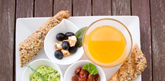 """Кава на сніданок може бути небезпечною: які продукти не бажано їсти натщесерце"""" - today.ua"""