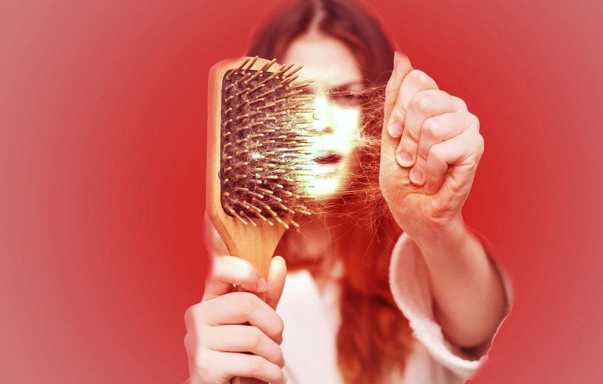 Выпадение волос: основные причины и способы защиты