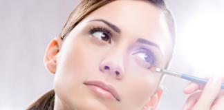 """Прибрати стрілки і зайвий блиск: ТОП-5 порад для щоденного макіяжу"""" - today.ua"""