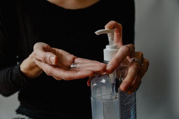 Коронавірус в Україні: як зробити антисептик для рук в домашніх умовах - today.ua