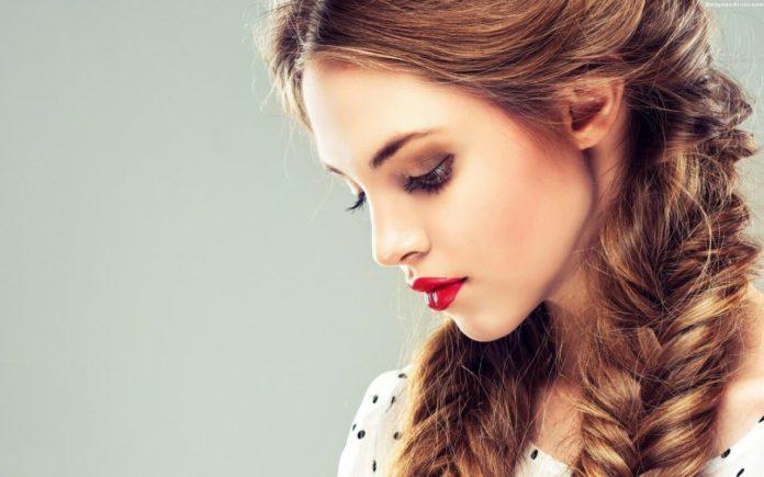 ТОП-3 жіночі зачіски, які приховають стирчащі вуха - today.ua