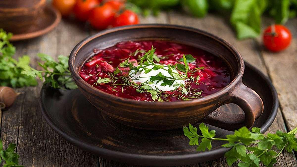 """Постный борщ с грибными """"ушками"""": рецепт вкусного и полезного блюда"""