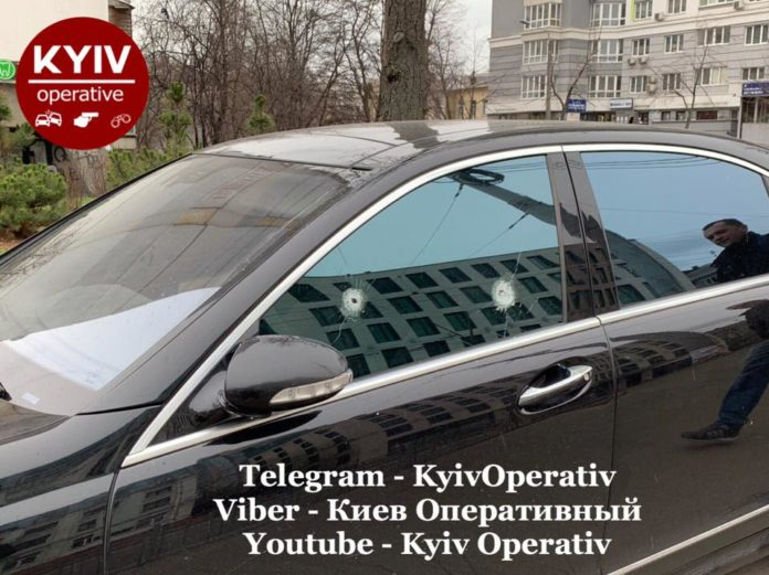 Водія Mercedes жорстко покарали за неправильну парковку - today.ua