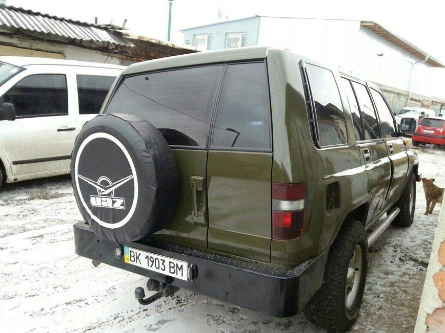 Українець схрестив позашляховики УАЗ і Opel Monterey