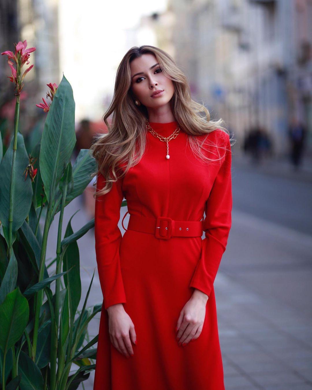 Дочка Анастасії Заворотнюк звернулася до шанувальників: Анна вперше заговорила про наболіле