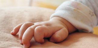 Коронавирус у новорожденного младенца в Британии – все очень серьезно - today.ua