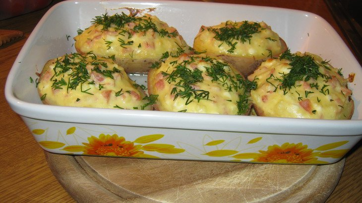 Швидко та недорого: як приготувати фаршировану картоплю для сімейної вечері