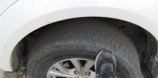 Зачем водители стучат ногой по колесам перед тем, как отправиться в дорогу - today.ua