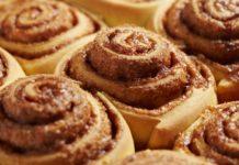 Ароматные булочки с корицей: как приготовить вкусную домашнюю выпечку - today.ua