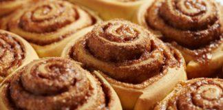 Ароматні булочки з корицею: як приготувати смачну домашню випічку - today.ua