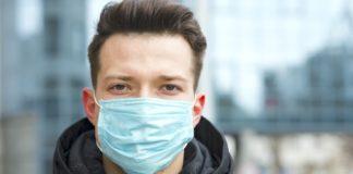 Чи захищає маска від коронавіруса: у МОЗ дали пояснення - today.ua