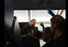Економ-клас в лоукості: Гончарука помітили в бюджетному літаку після відставки - today.ua