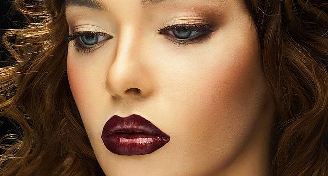 Блискучий макіяж на 8 березня: модні ідеї для святкового образу