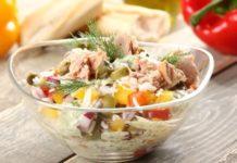 Легкий салат с тунцом и рисом: рецепт вкусной и полезной закуски на ужин - today.ua