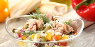"""Легкий салат с тунцом и рисом: рецепт вкусной и полезной закуски на ужин   """" - today.ua"""