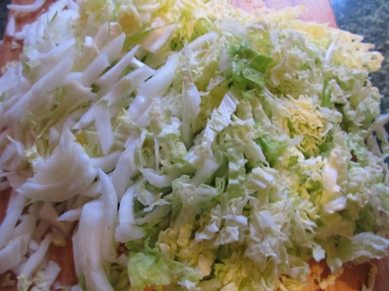 Салат із пекінської капусти – недорогий порятунок від весняного авітамінозу
