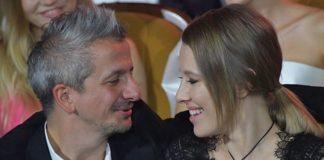 Собчак накрило пристрастю прямо в ресторані: її чоловік завів півкраїни - today.ua