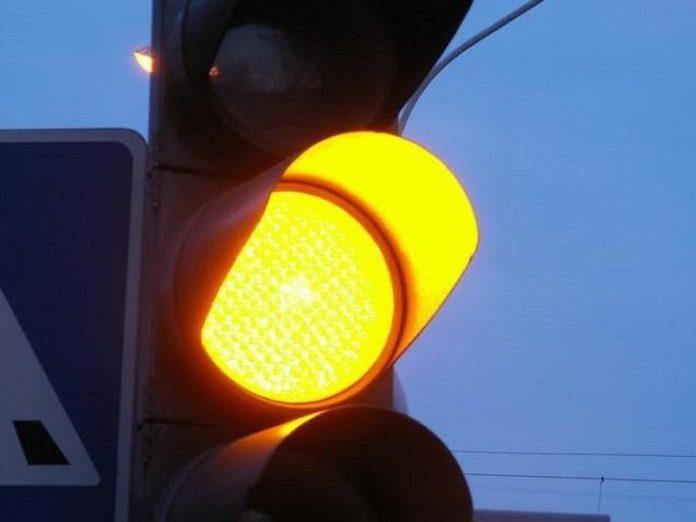 Верховний Суд не виправдав водія за проїзд на жовтий сигнал світлофора - today.ua
