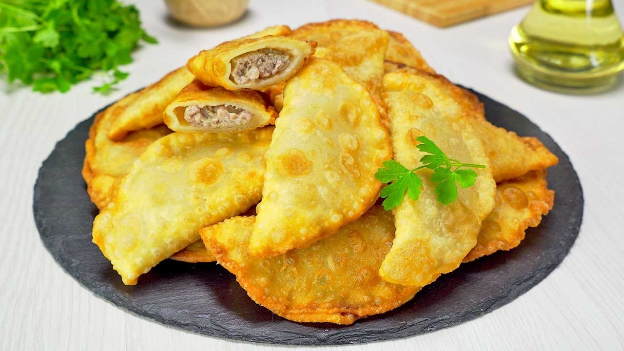 Чебуреки з м'ясом і зеленню: найкращий рецепт узбецької кухні - today.ua