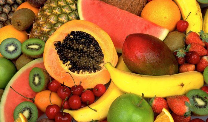 Які фрукти підвищать імунітет від коронавіруса у квітні – поради езотериків - today.ua