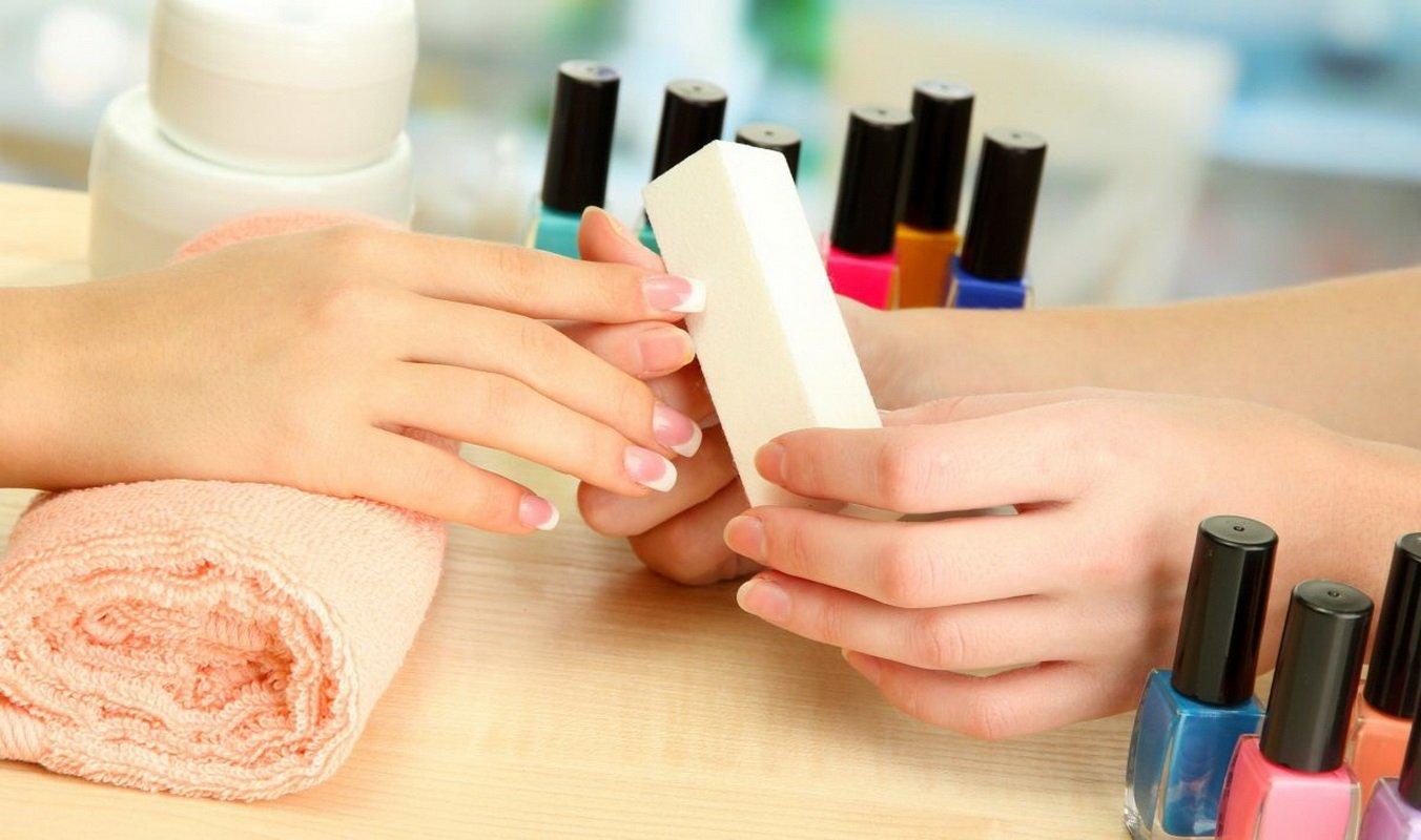 Експрес-манікюр в домашніх умовах: 3 способи надати нігтям ідеального вигляду