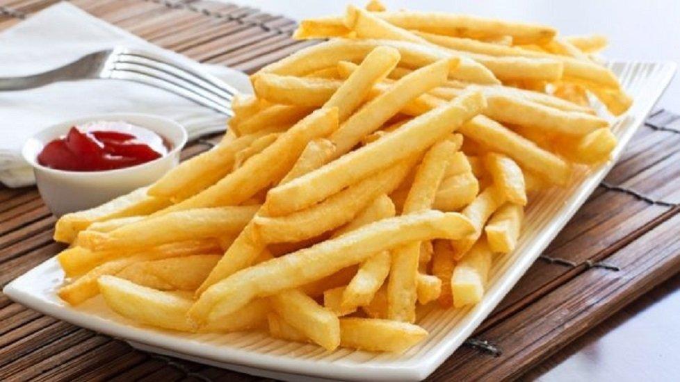 Картопля фрі в духовці без олії: простий рецепт улюбленої страви з Макдональдса