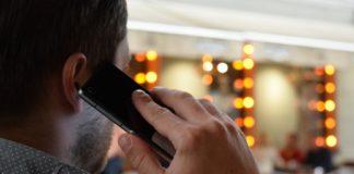П'ять ознак, що ваш телефон прослуховують - today.ua