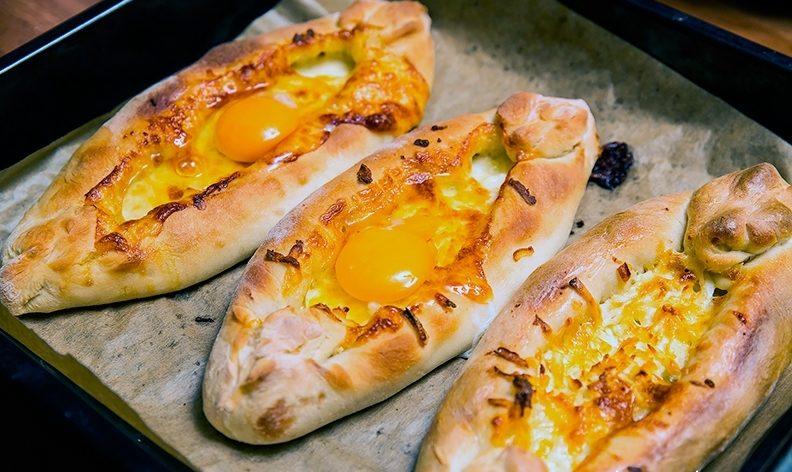 Рецепт хачапурі по-аджарськи: як не нашкодити фігурі і отримати задоволення від смаку