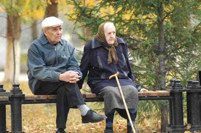 Нестача внесків у ПФУ: українці можуть залишитись без пенсій - today.ua