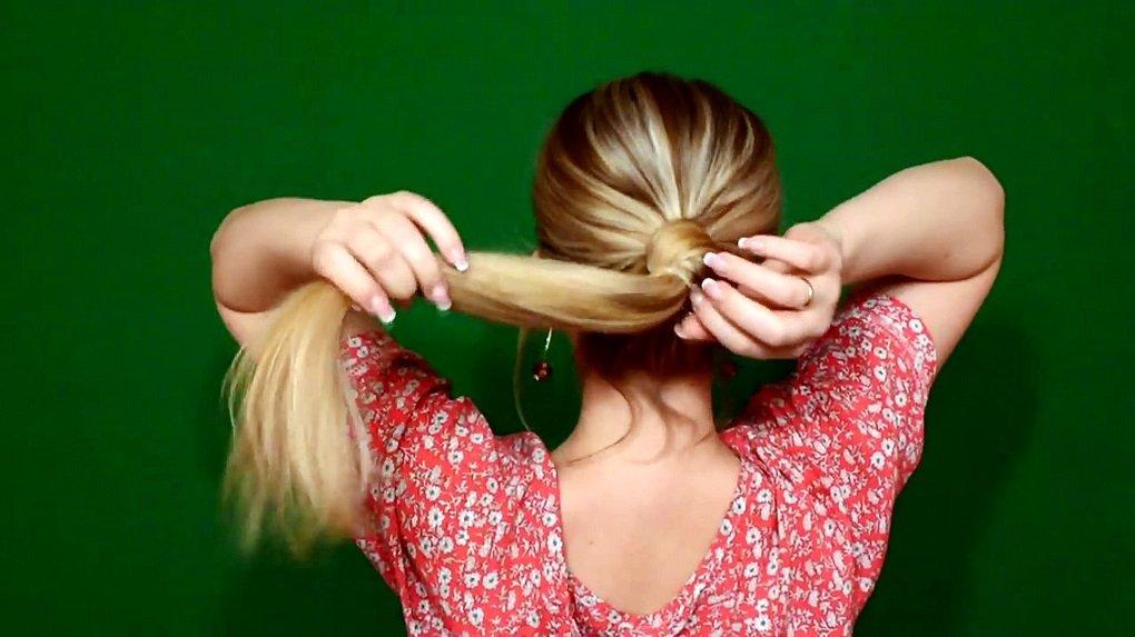 ТОП-3 зачіски, які створюються за допомогою простої гумки для волосся - today.ua