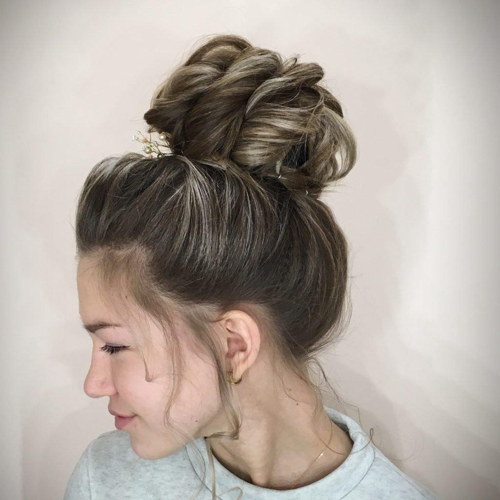 Топ-5 зачісок, які допоможуть приховати відросле коріння волосся