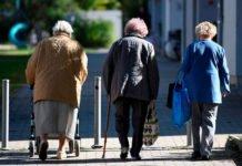 Пенсійний фонд почав виплачувати пенсіонерам обіцяні надбавки: кому пощастило - today.ua