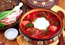 Борщ з копченим салом: старовинний рецепт неймовірно пікантної страви - today.ua