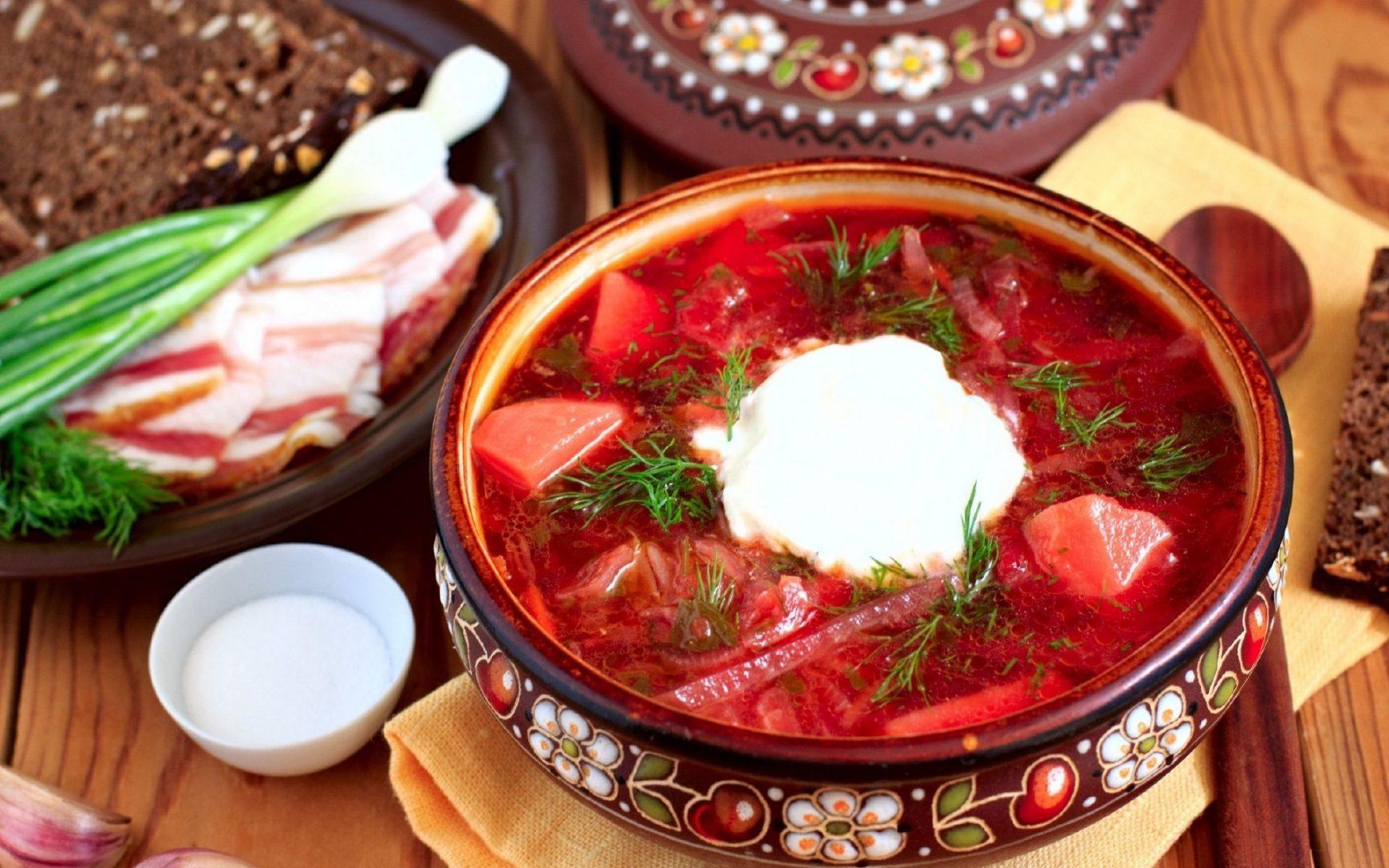 Борщ с копченым салом: старинный рецепт невероятно пикантного блюда      - today.ua