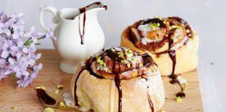 Сіннабони з вершковим кремом і корицею: рецепт ніжних ароматних булочок - today.ua