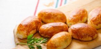 Пиріжки з картоплею за бабусиним рецептом: простий рецепт випічки нашвидкуруч - today.ua